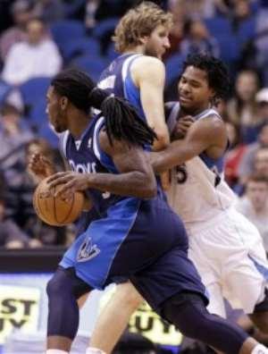 NBA : The Mavs bench stuns Wolves