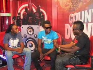 Ruff n Smooth on the Countdown Show on Hitz TV on Multi TV with host Magma (L)