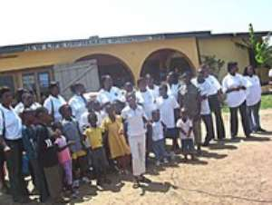 ICU Women's Wing Gives To Orphanage