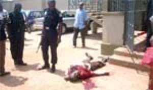 Robber Killed