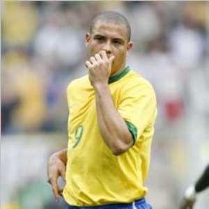 AC Milan Ace Ronaldo Prefers Eto'o Over Ronaldinho