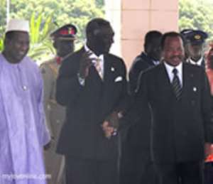 President Kufuor receives Report on AU Government