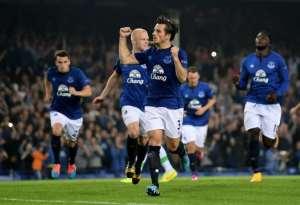 Roberto Martinez hails Everton defender Leighton Baines