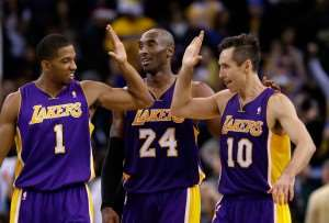 NBA : LA Lakers keep the line