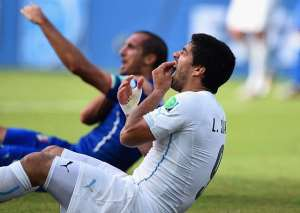 Uruguay face Colombia in World Cup second round without Luis Suarez