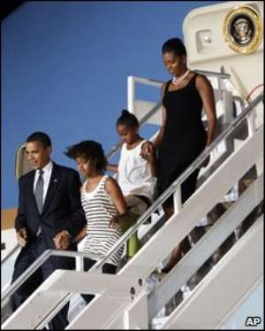 The family disembarking from Airforce One on Friday evening