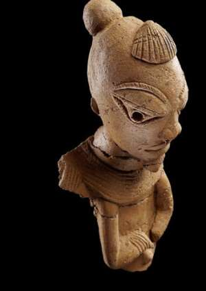 Nok sculpture, male figure with shell on his head, Nigeria, now in, Liebieghaus Sammlungen, Frankfurt, Germany  Photo: Goethe University Frankfurt, Institute for Archaeological