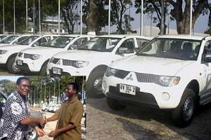 Some of the vehicles presented to the health institutions