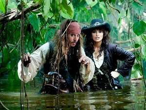 Johnny Depp signs on to fifth Pirates movie