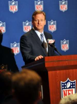 Roger Goodell hits Sports Illustrated cover