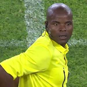 Referee forgets red card in Nedbank (South Africa FA Cup) clash