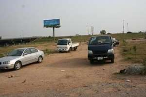 Car Vendors Encroaching Achimota-N1 Highway Arc