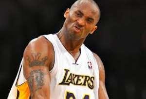 Basketball : K.B. posterizes Josh Smith -video-