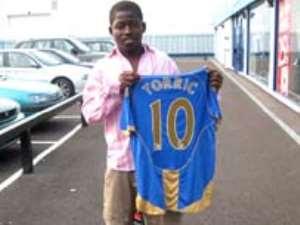 Portsmouth sign Torric Jibril