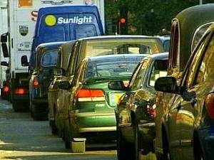 Dead traffic lights worsen traffic situation