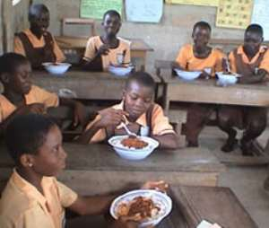 Kumasi: School Feeding Caterer sacked for serving sub standard foods at Ohwimase