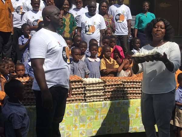 Boris B Promotes Easy Fight Against Breast Cancer On World Eggs Day