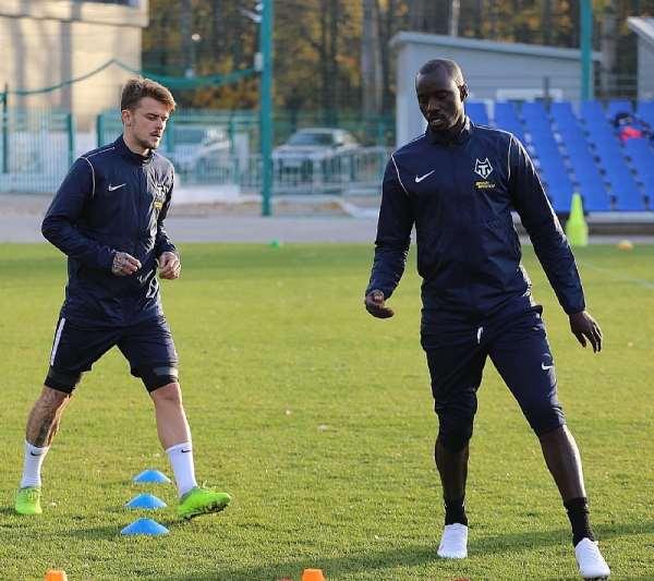 PHOTOS: Rabiu Mohammed Starts Training At FC Tambov