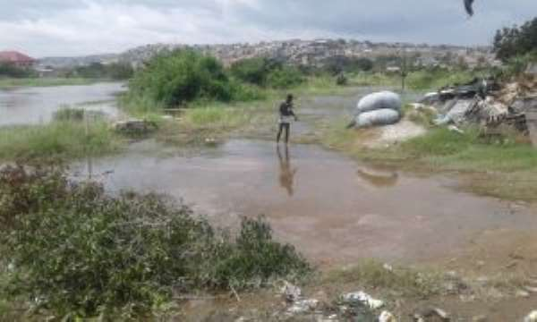 Residents Of Weija Refuse To Relocate Despite Dam Spillage