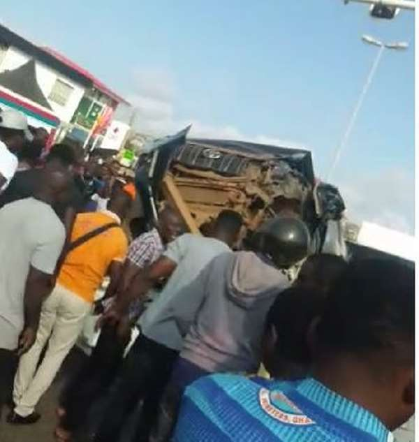 Accra: One Killed As 4 Cars, 2 Motorbikes Collide At Anyaa
