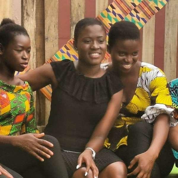 Fella Makafui Inspires Kayayo Girls [Watch]