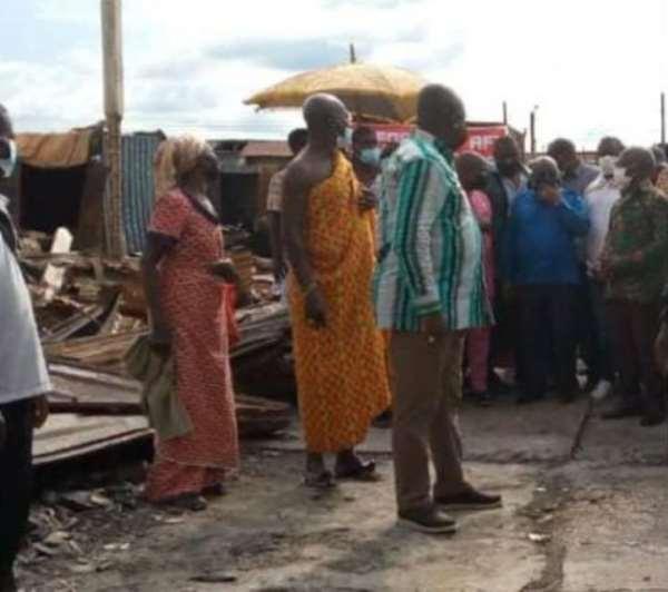 Akufo-Addo visit victims of Akim Oda fire disaster