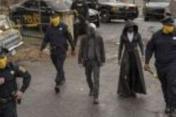 4 Reasons Why You Should Be Watching Watchmen