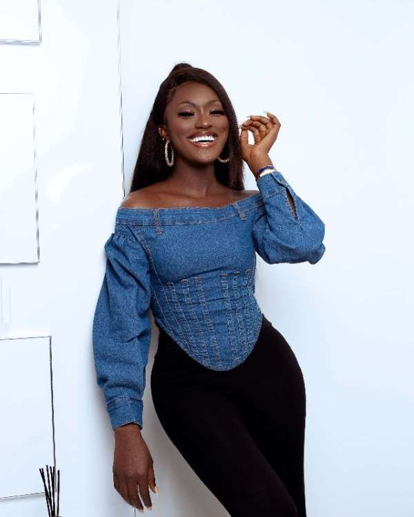 Model and Actress, Linda Osifo displays natural charm in new images.