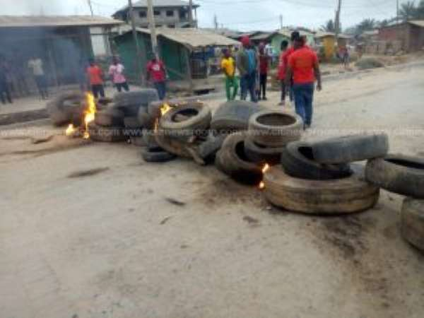 Gory Accident At Tarkwa-Nsuaem Triggers Road Blocks Amid Protests
