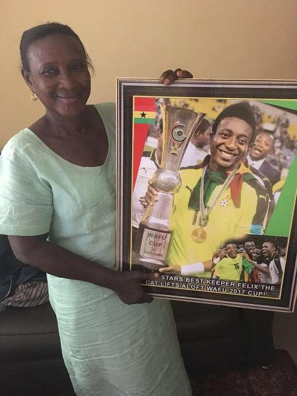 Kotoko Goalkeeper Felix Annan Presents Medals To Mum