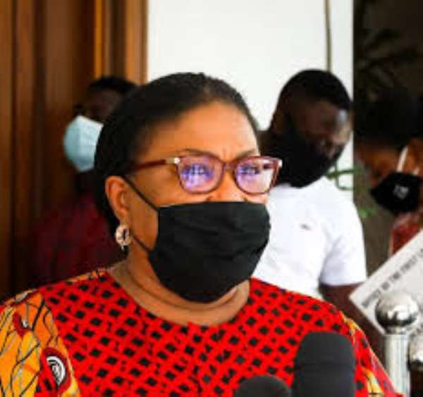 COVID-19: First Lady urge Ghanaians to wear nose masks