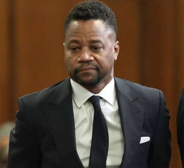 Cuba Gooding Jr. with his lawyer in court