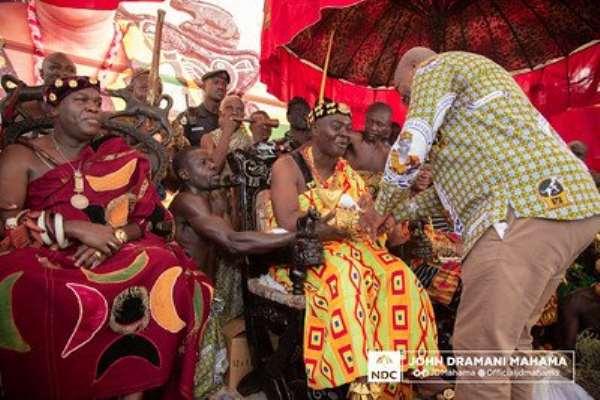 Mahama celebrates with Dormaahene