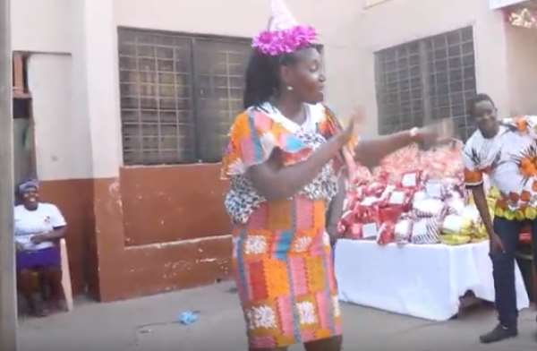 Viral VIDEO: Woman Carrying Baby At Her Back Shows Dancing Moves