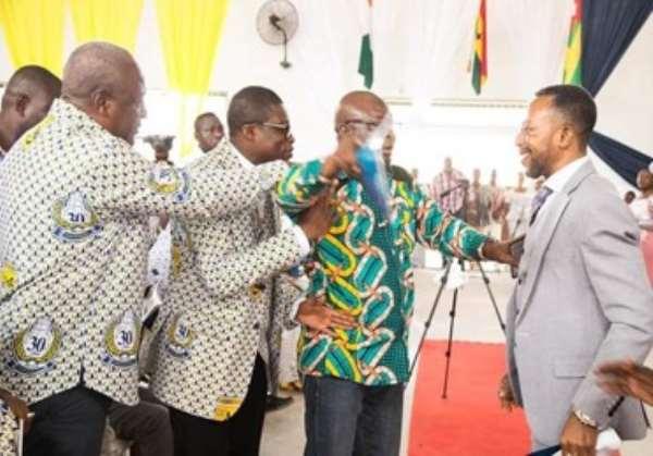 Bodyguard Who Blocked Owusu Bempah From Greeting Mahama Named