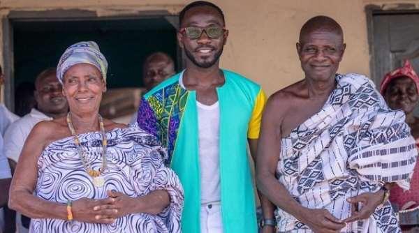 Okyeame Kwame, Solidaridad organise free health screening at Kintampo