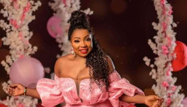 Actress, Anita Joseph Warm Hearts with her Cleavages on Birthday (photos)