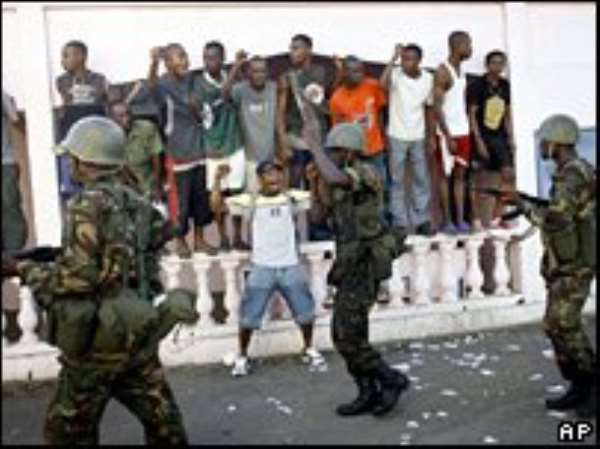Battles on Comoros rebel island