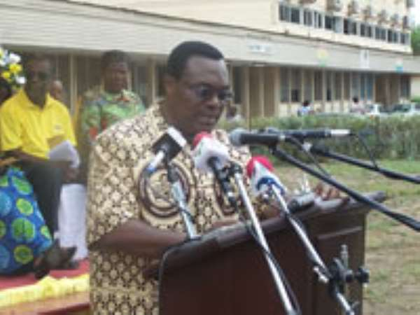 Ministry to attract health workers abroad