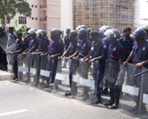 Police foils clashes at UCC campus