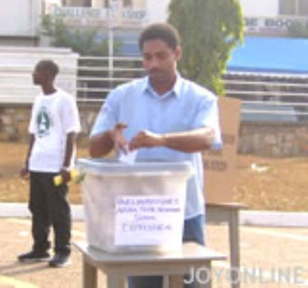 Independent Candidate for Chiana-Paga petitions EC