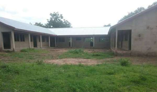 Contractor Abandons School Project Compelling Children To Study Under Trees