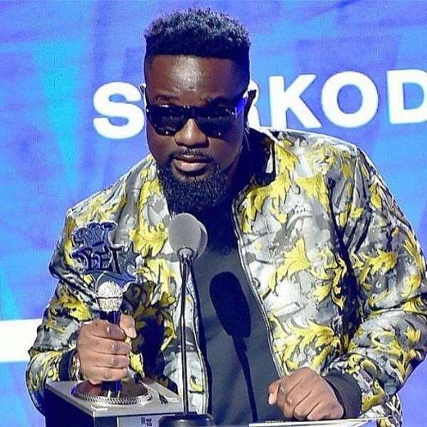 Sarkodie Finally Get His Plaque For 2019 BET Best International Flow