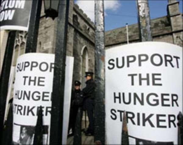Afghan refugees end Irish protest