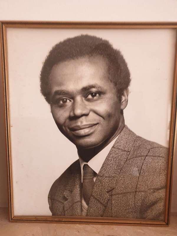 Short Biography of the late Dr. Emmanuel Komla Adinkra: SUNRISE April 3 1930 - SUNSET March 11 2020
