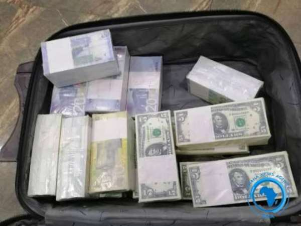 Two Grabbed Over Fake Currencies