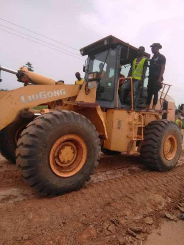 Professor Yankah Cut Sod For Construction Bawjiase-Swedru Road