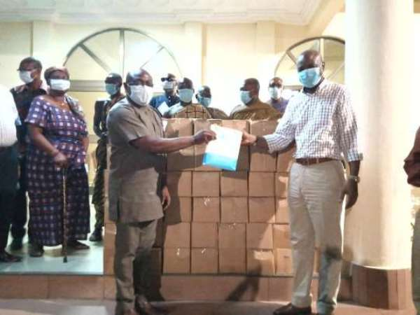 COVID-19: Togbe Afede Donate Sanitizers, GH¢100k To Two Hospitals