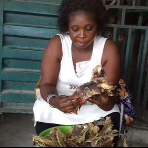 """A crayfish seller and Theatre Arts graduate wins """"Help the Hard Worker"""" contest"""