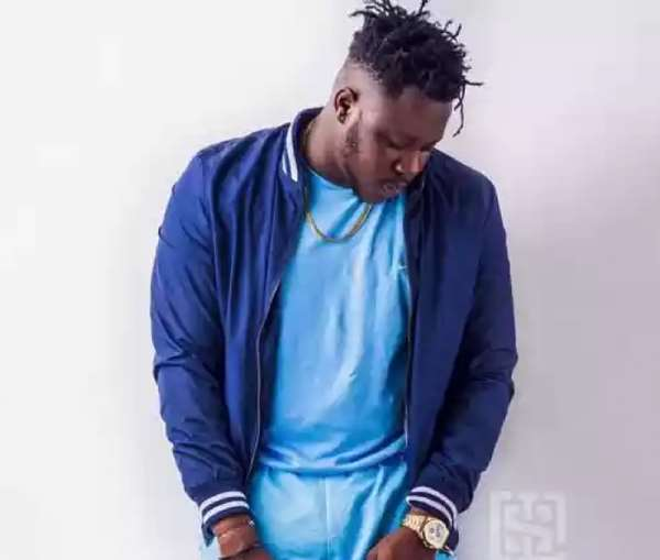 Medikal Chain, Phone Snatched After Stage Performance At Sunyani Campus